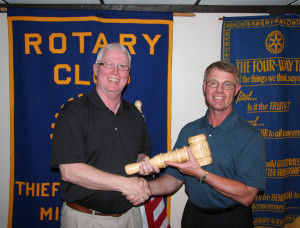 Tim Hagl Passes Gavel to Randy Hultgren